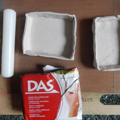 Making clay trays